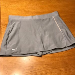 Nike gray tennis skirt, M